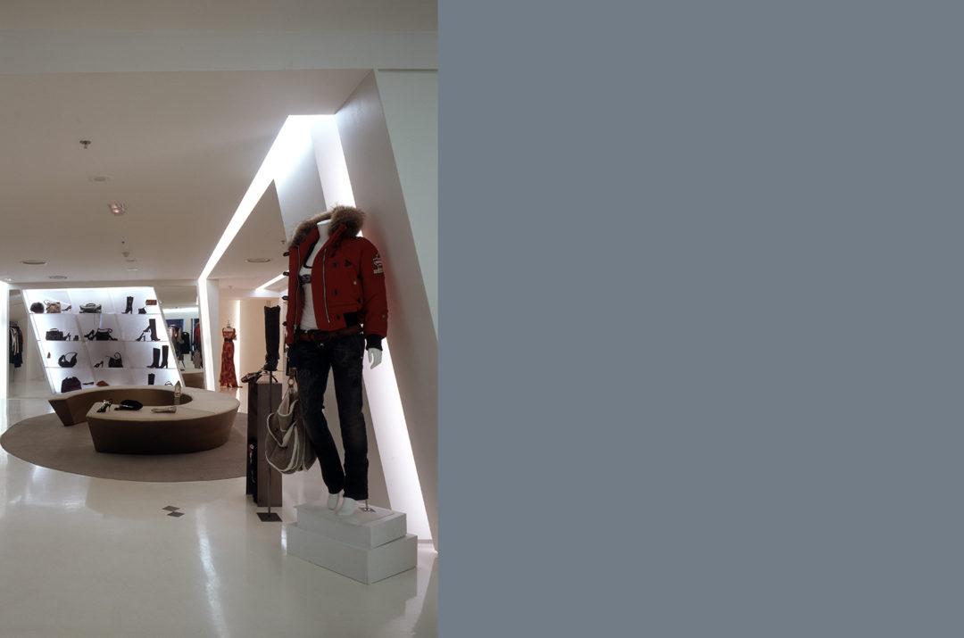 af2ce2a4b Esse projeto consistiu na transformação do interior e da fachada de uma loja  de roupas femininas de luxo